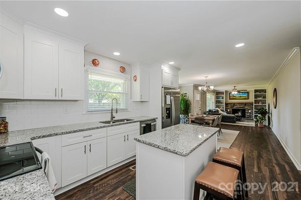 4032 Woodgreen Terrace