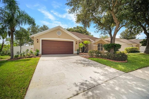 4003 CANTER COURT