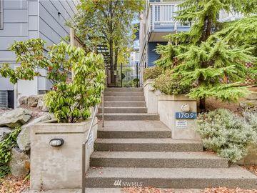 1709 18th Avenue #203, Seattle, WA, 98122,