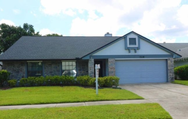 729 KISSIMMEE PLACE