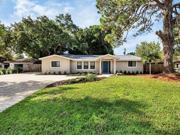2452 MAIN STREET, Sarasota, FL, 34237,
