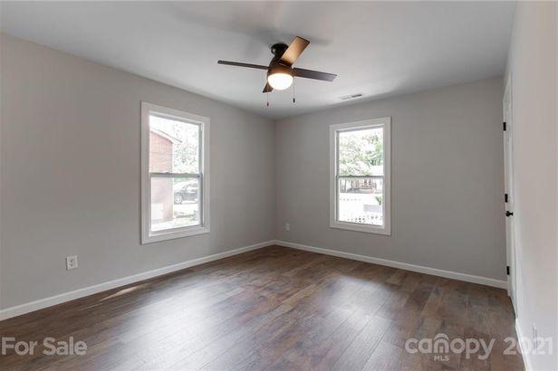 209 Columbia Avenue