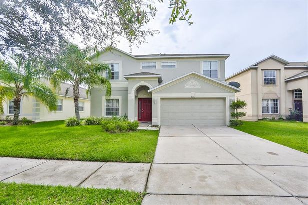 8442 CARRIAGE POINTE DRIVE