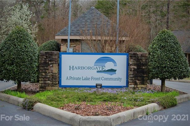 411 Harborgate Drive
