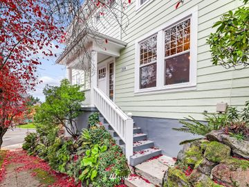 2114 12th Avenue E, Seattle, WA, 98102,