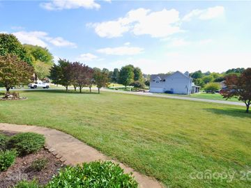 104 Waters Edge Court, Mooresville, NC, 28117,