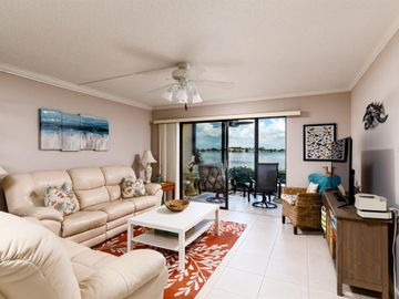7700 SUN ISLAND DRIVE S #101, South Pasadena, FL, 33707,