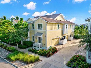 286 SAPPHIRE LAKE DRIVE #201, Bradenton, FL, 34209,