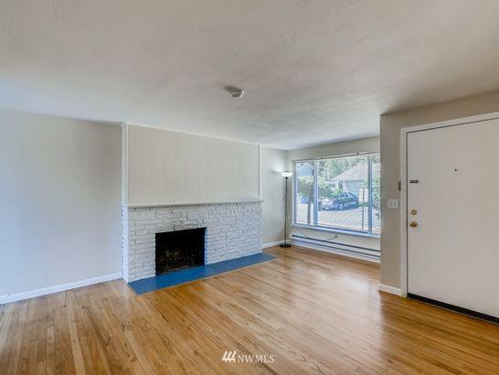 937 N 163rd Street