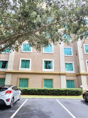 8303 PALM PARKWAY #422