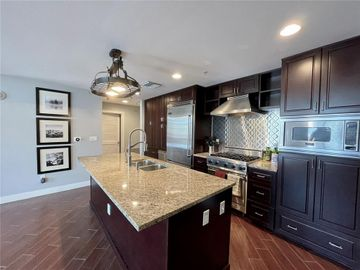 1120 E KENNEDY BOULEVARD #912, Tampa, FL, 33602,
