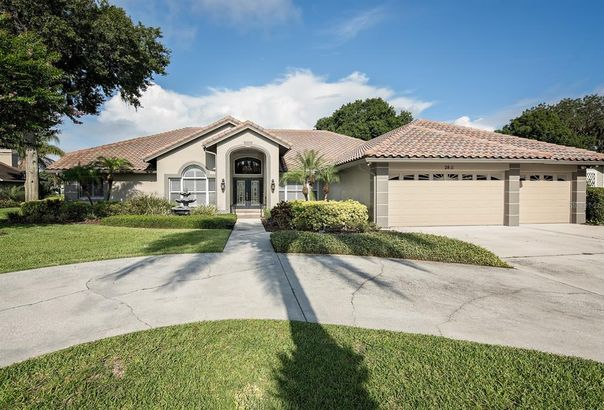 2811 FOREST CLUB DRIVE