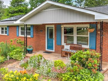 18 Holly Hill Drive, Asheville, NC, 28806,
