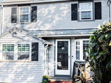 1 Gwinnett St, Boston, MA, 02136,