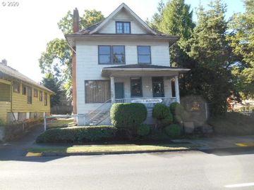 2900 E BURNSIDE, Portland, OR, 97214,