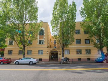 2829 SE BELMONT #303, Portland, OR, 97214,