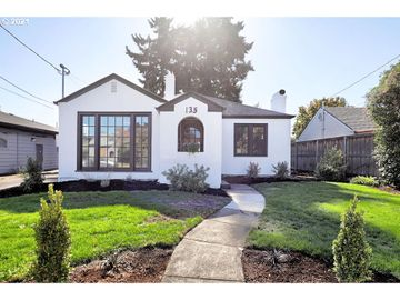135 W GLOUCESTER, Gladstone, OR, 97027,