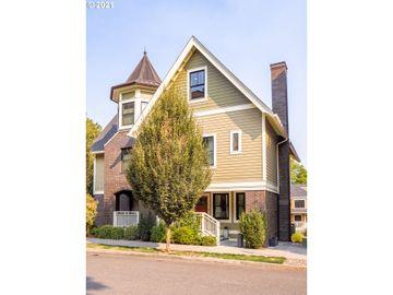 133 SW GIBBS ##12, Portland, OR, 97239,