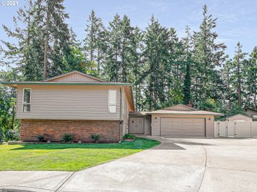 6705 PARKWAY, Gladstone, OR, 97027,