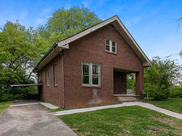 410 Surrey Rd, Knoxville, TN, 37915,