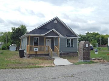 230 Cedar Ave, Knoxville, TN, 37917,