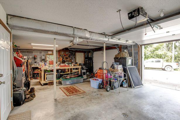 9915 Fleenor Mill Rd