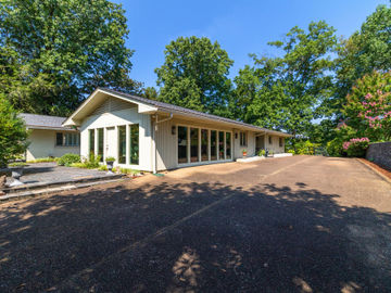 4042 Kingston Pike, Knoxville, TN, 37919,