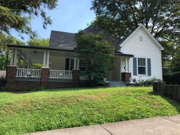 520 Chickamauga Ave #APT 1, Knoxville, TN, 37917,