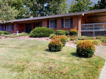 8112 Hill Rd, Knoxville, TN, 37938,