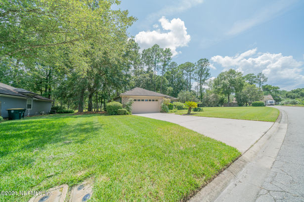 4310 CARRIAGE CROSSING DR