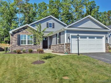 109 Park Drive, Village Oaks, VA, 22963,