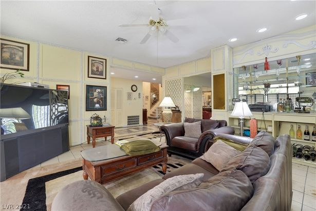 3380 Townhouse Drive
