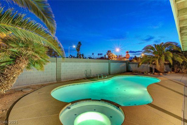 3215 Siboney Villa Circle