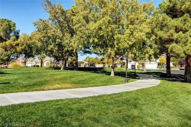 5020 Royal Lake Avenue