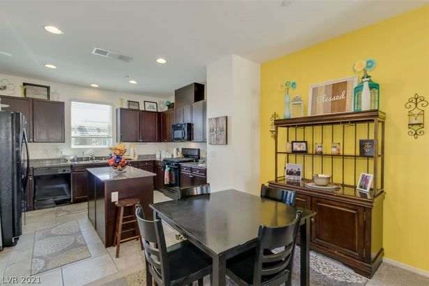 4611 Townwall Street