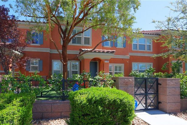 2126 Waterlily View Street