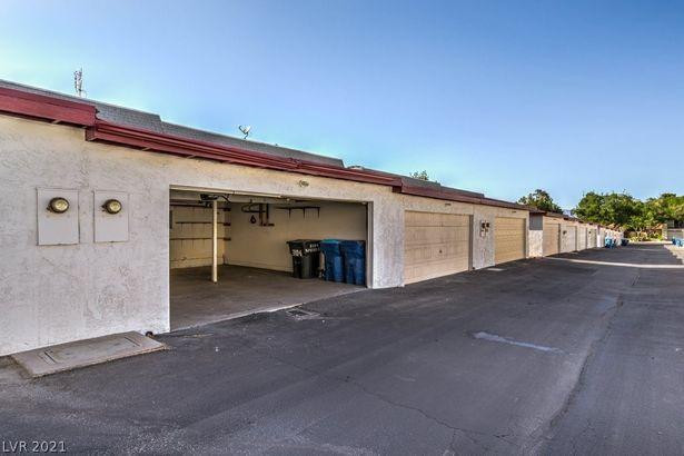 3104 S Pecos Road