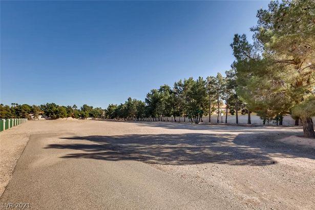 7080 S Pecos Road
