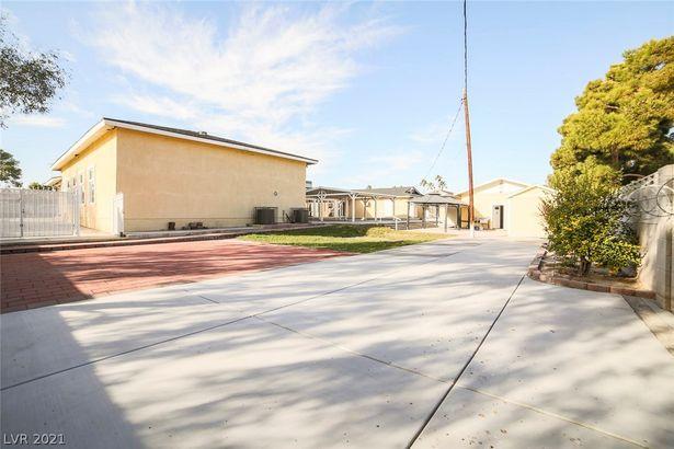 2718 Torrey Pines Drive