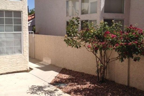 9825 Cactus View Avenue