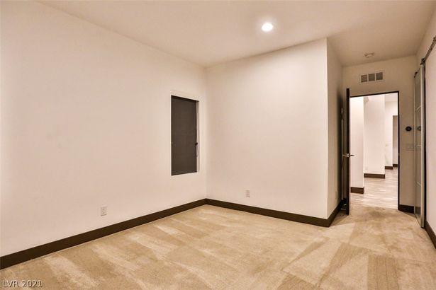 6447 W Quail Avenue