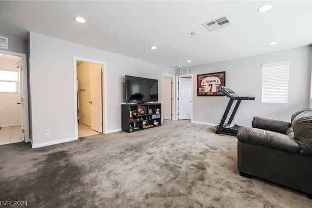 4551 Wyncrest Avenue