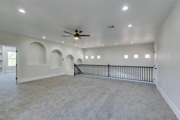 5495 Castle Vista Court