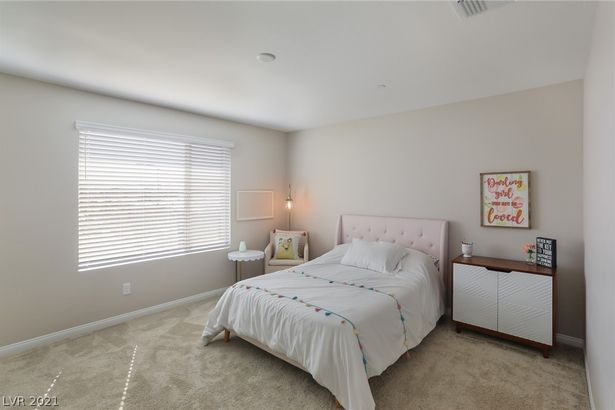 12516 Oregon Cherry Avenue