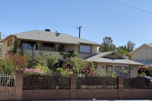 2232 Valley Drive