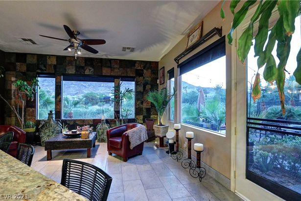 2585 Grassy Spring Place