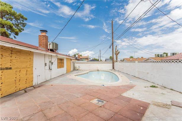 2305 Monterey Avenue