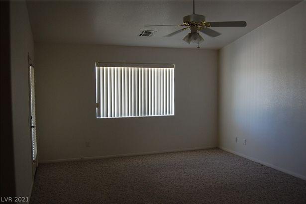 3580 E Vineyard Drive