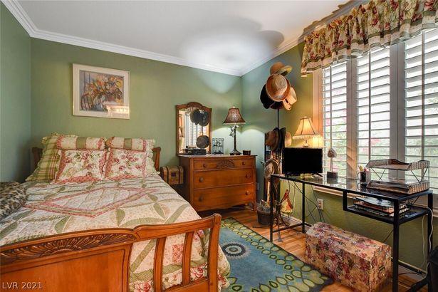 8344 Emerald Isle Avenue