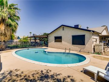 5425 Oxbow Street, Las Vegas, NV, 89119,